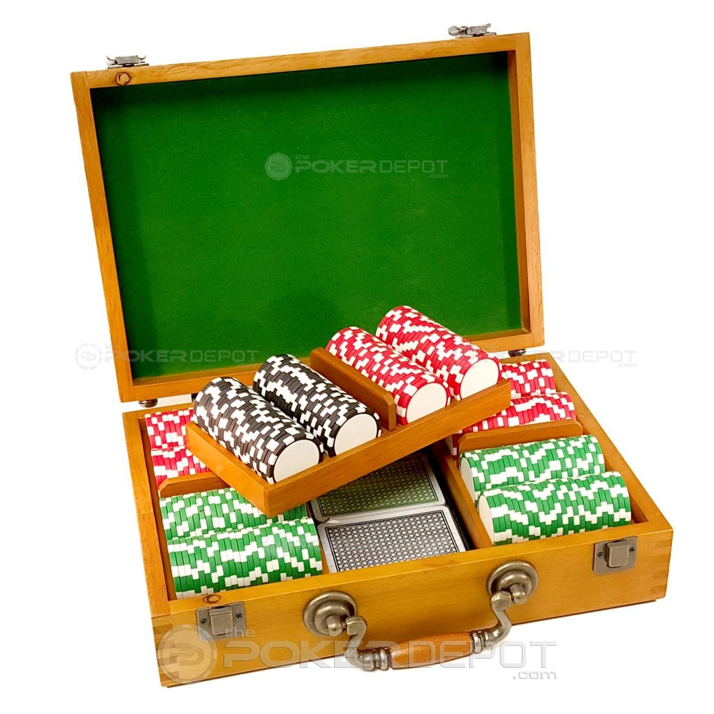 Oak Wood Poker Chip Set 300ct