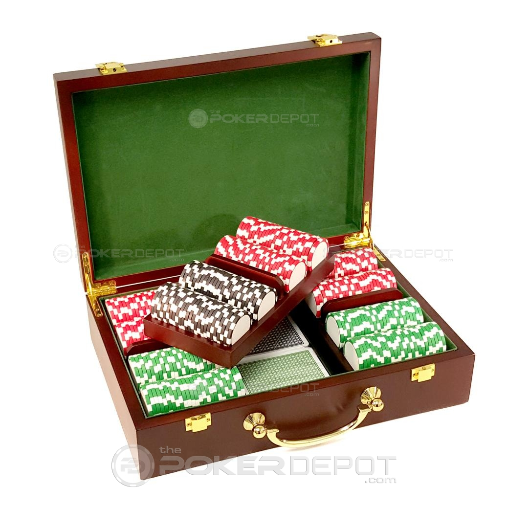 Mahogany Wood Poker Chip Set 300ct