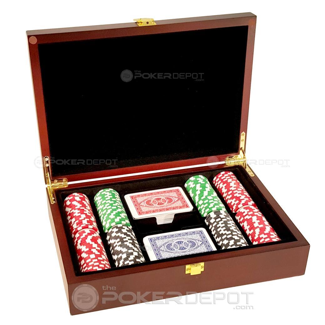 Mahogany Wood Poker Chips Set 200ct